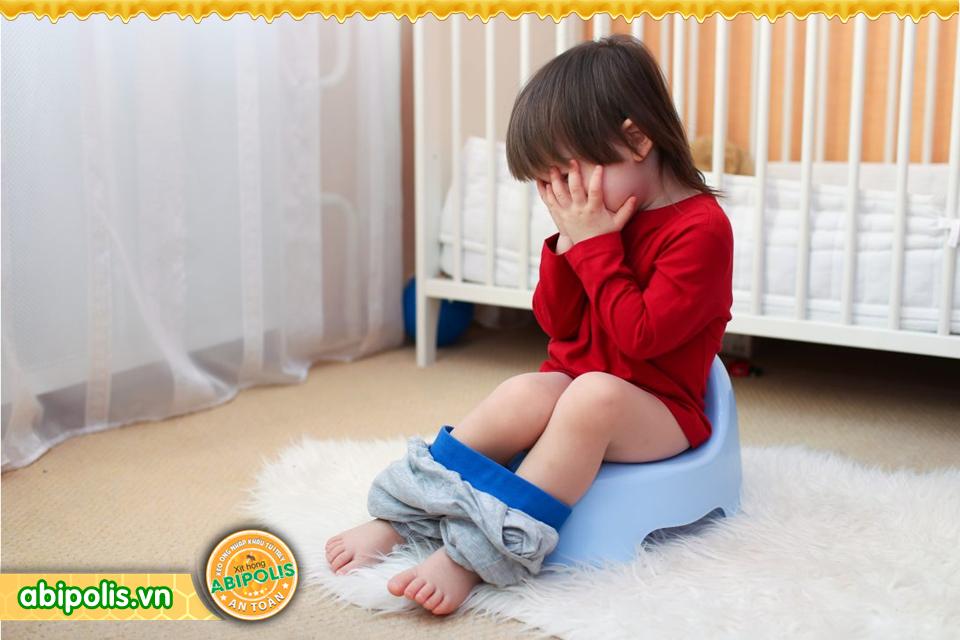 Cứ ho, đau, viêm họng là cho trẻ dùng kháng sinh, lợi bất cập hại