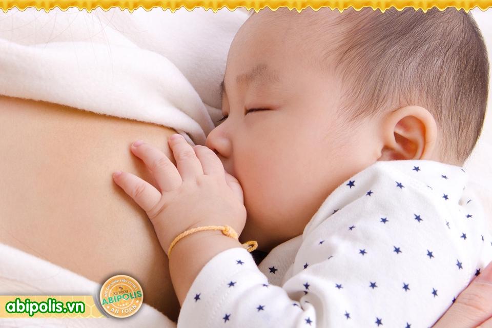 Nhận biết và chăm sóc trẻ bị ho cảm tại nhà