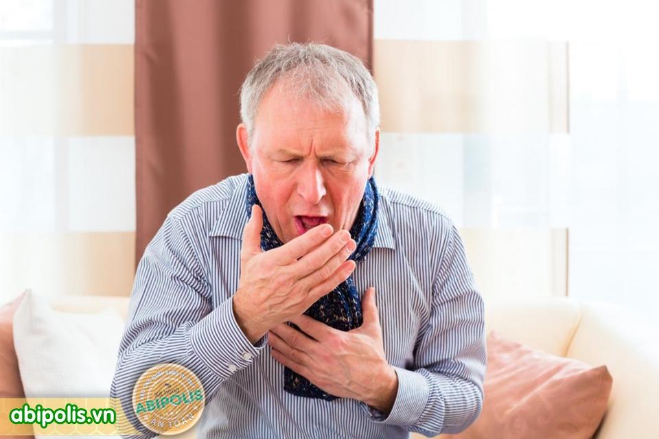 Mùa lạnh, phòng bệnh đường hô hấp cho người cao tuổi