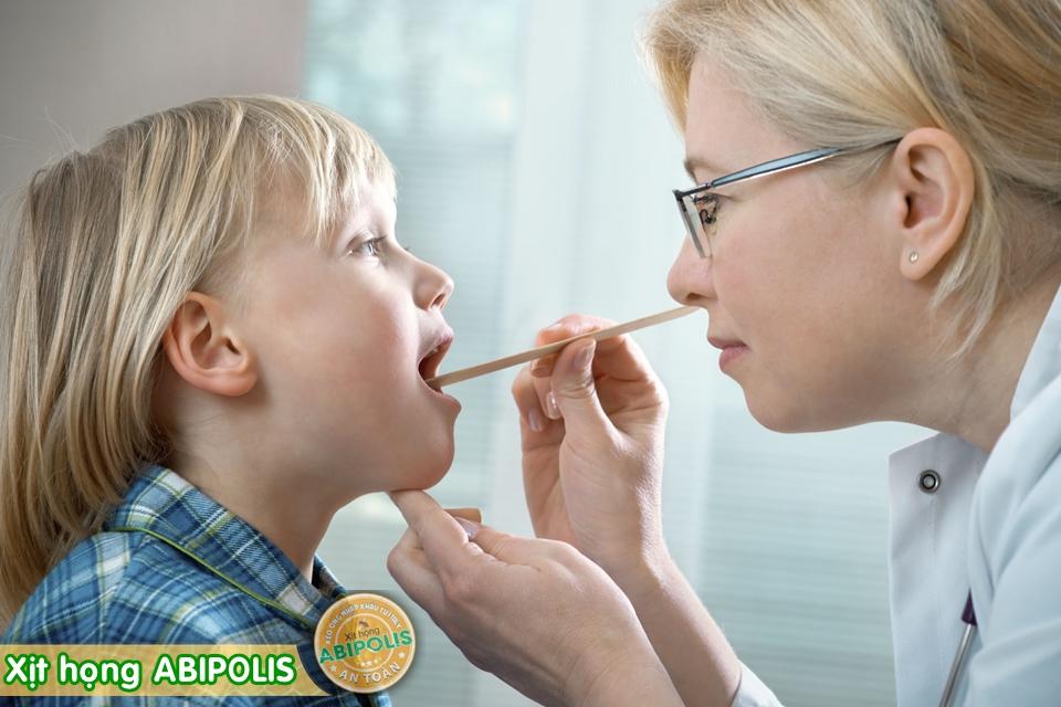 Đau họng, chảy nước mũi, dùng thuốc như thế nào?