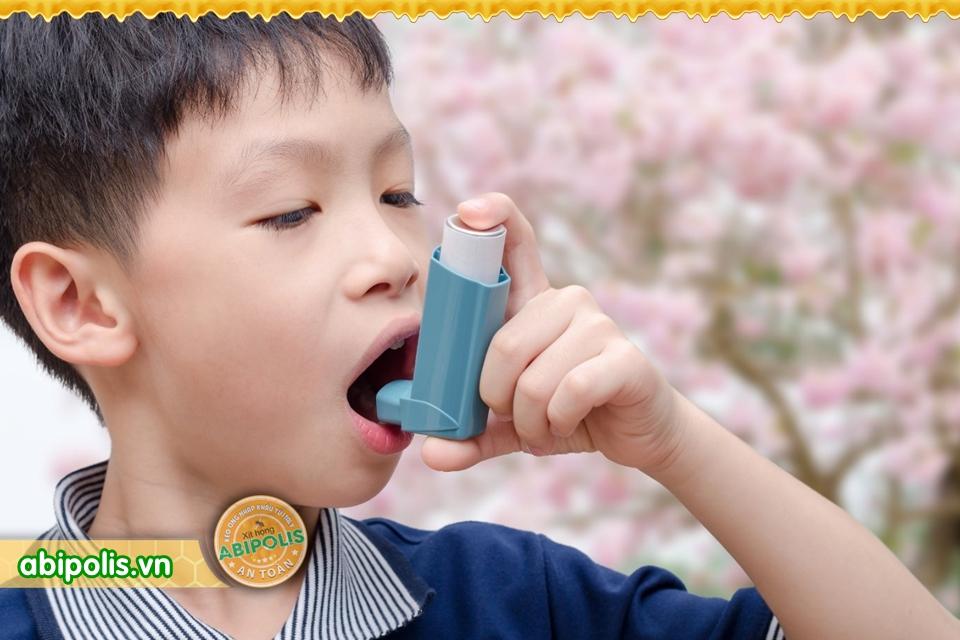 Thận trọng biến chứng nguy hiểm của viêm đường hô hấp trên