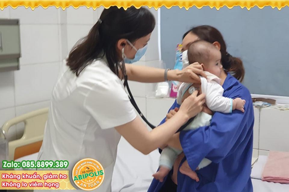 Viêm đường hô hấp tăng nhanh ở trẻ, phòng ngừa và chăm sóc thế nào?